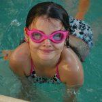 Badeanzug Mädchen / Badehose Junge
